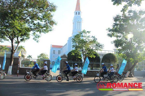 Ngày hội việc làm và cuộc diễu hành bằng xe đạp đôi-1
