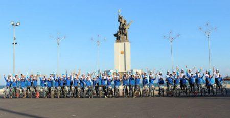 Ngày hội việc làm và cuộc diễu hành bằng xe đạp đôi