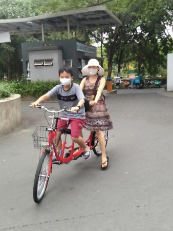 xe đạp đôi cho mẹ và bé